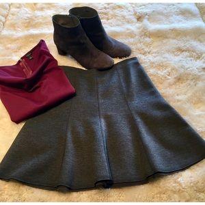 Adorable Ann Taylor grey flared skirt